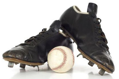 The old school metal spikes we all wore. Remember them like it was yesterday! We thought we were SO cool... LoL And no, they didn't make me play better... LoL