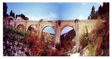 Aqueducte sobre el riu de Penàguila. Pertany a la Confederació Hidrogràfica del Xùquer