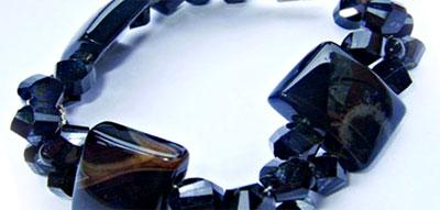 gelang batu kalimantan