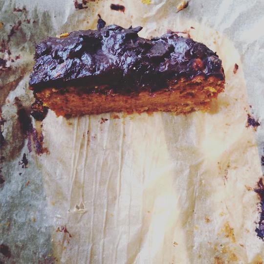 Ciasto dyniowe z kremem z daktyli
