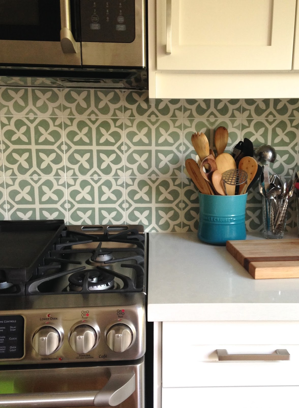Sabile Hill tile backsplash by Sara Wetmore Interior Design in Toronto