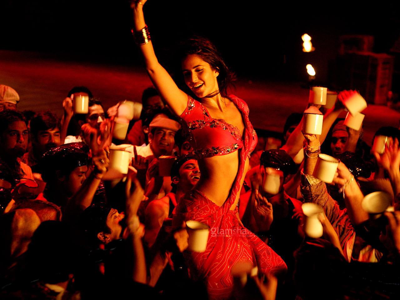 http://2.bp.blogspot.com/-YeBVNUhDAGU/TdmHDRiDiAI/AAAAAAAAAZ0/40TC2USYLmw/s1600/Katrina+Kaif+Wallpaper3.jpg