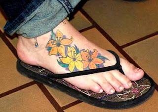 Tatuagens femininas nos pés 8