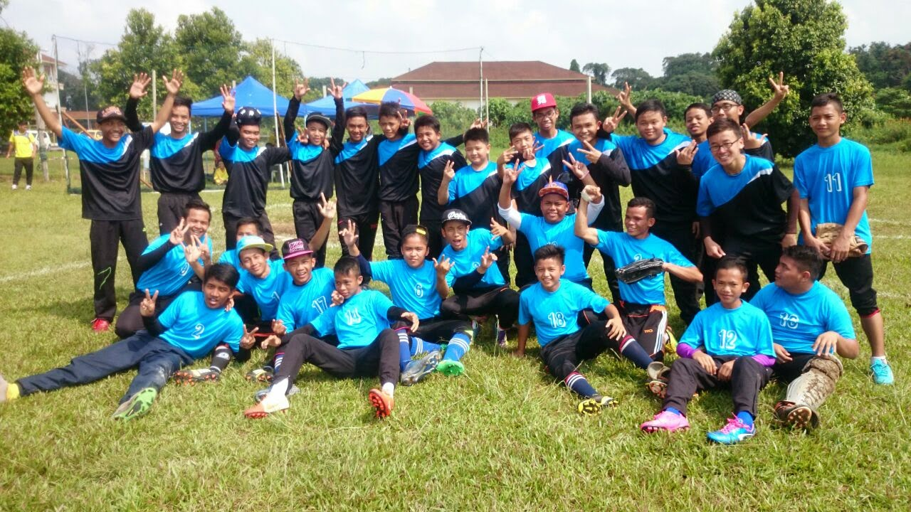 Kejohanan Sofbol MSS SIbu 2015 - SMK Luar Bandar Sibu vs SMK Agama Sibu