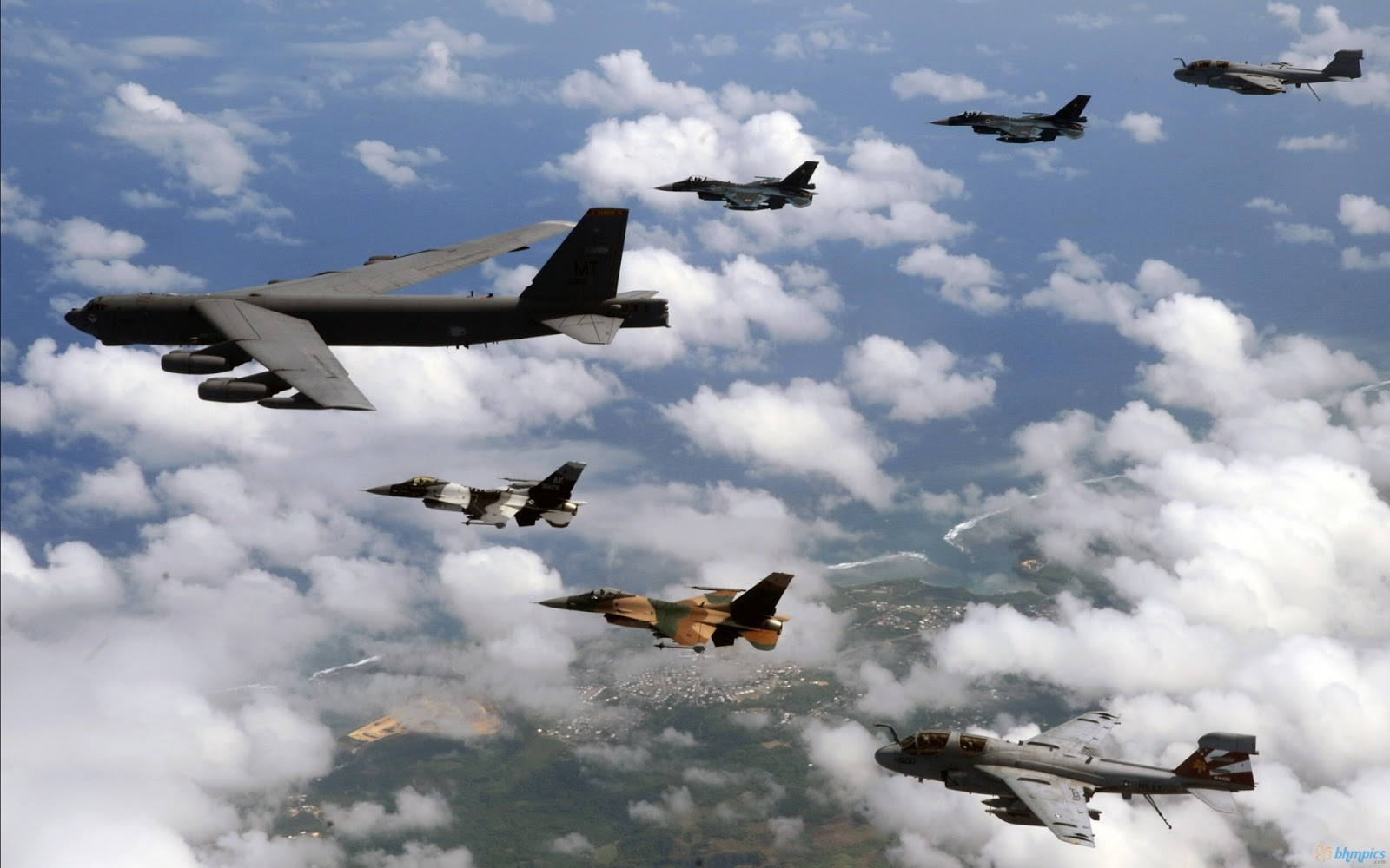 http://2.bp.blogspot.com/-YeIxoXMyU5o/UJegpwBa9MI/AAAAAAAAHFU/jC_O2dNpN44/s1600/36th_wing_air_force-1920x1200.jpg