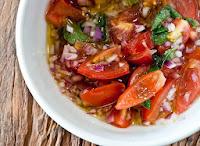 Vinagrete com Tomatinho, Cebola Roxa e Manjericão (vegana)