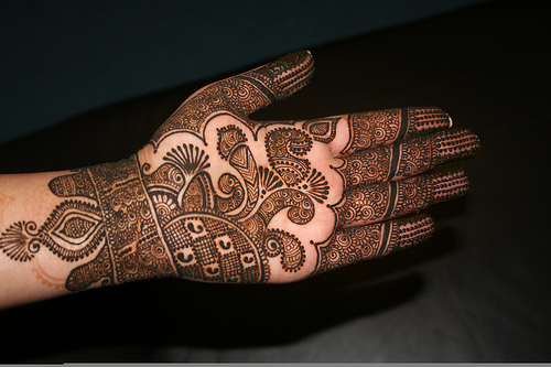 Beautifull and Latest Mehndi Design | Dresses Design for Gilrs 2012