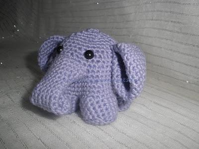 Elefante amigurumi realizado a crochet