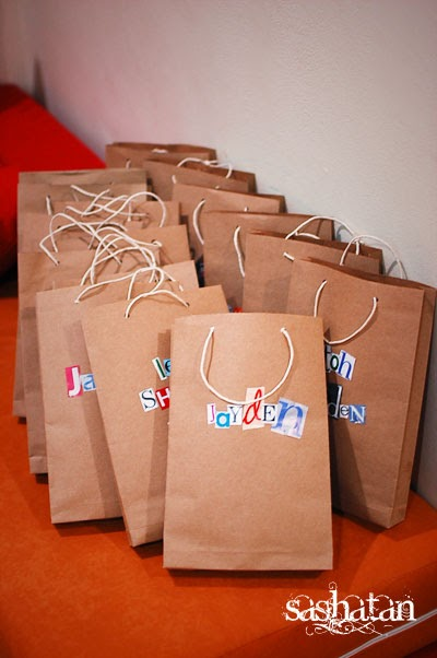 Bla Bla Bla Bla Bla Dim Brown Paper Party Bags