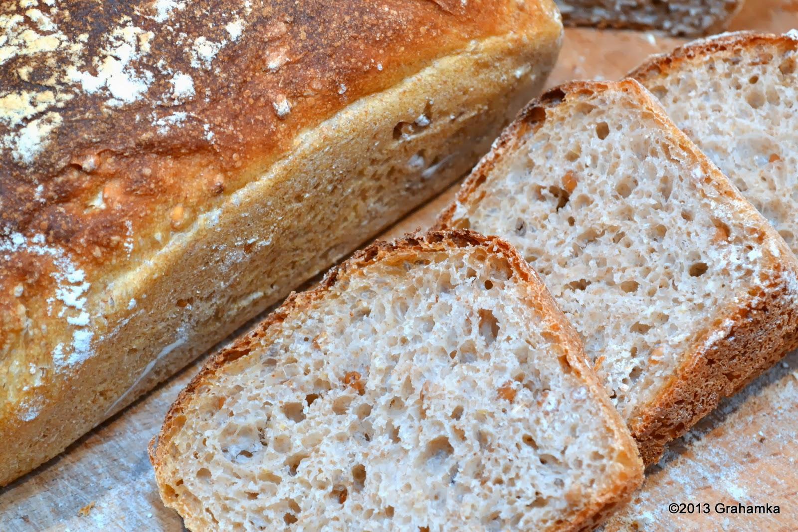Chleb z ziarnem pszenicy.