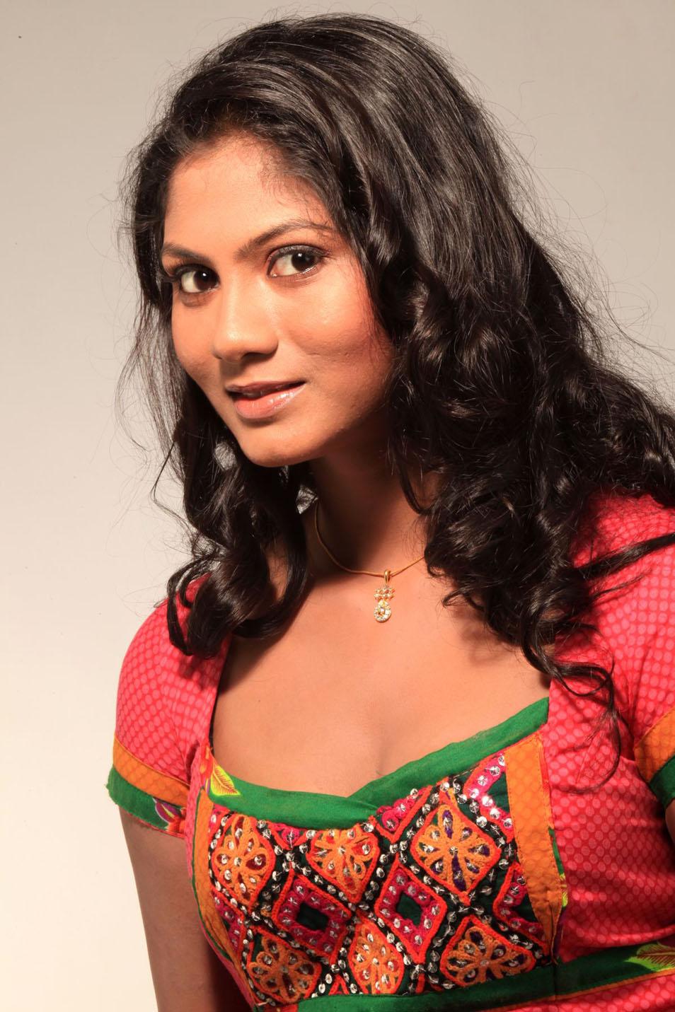 Shruthi Reddy Latest Hot Stills CF 09