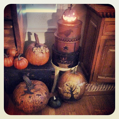 prim Halloween decor