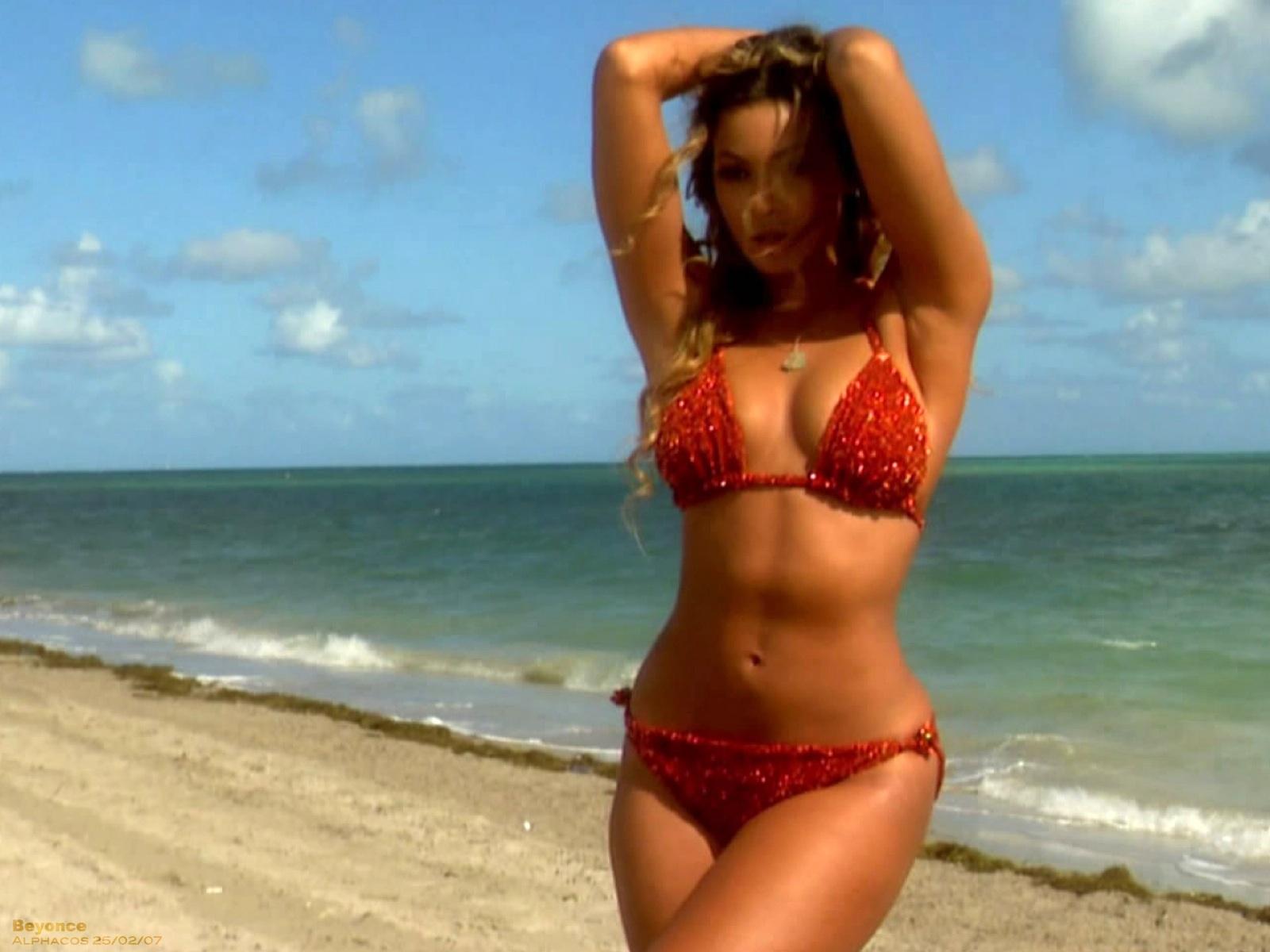 http://2.bp.blogspot.com/-YfgcMvaV0-k/T37o9HnyD8I/AAAAAAAABY4/TU1Np0L3yjo/s1600/beyonce_knowles_in_bikini_beach-normal.jpg
