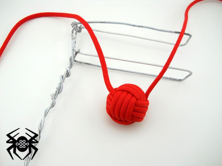 Fist knot monkey tie