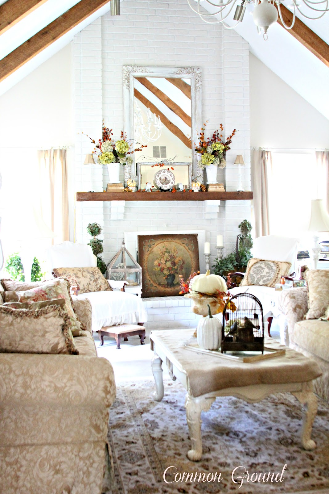 Vintage inspired French Country home tour - Debbiedoo\'s