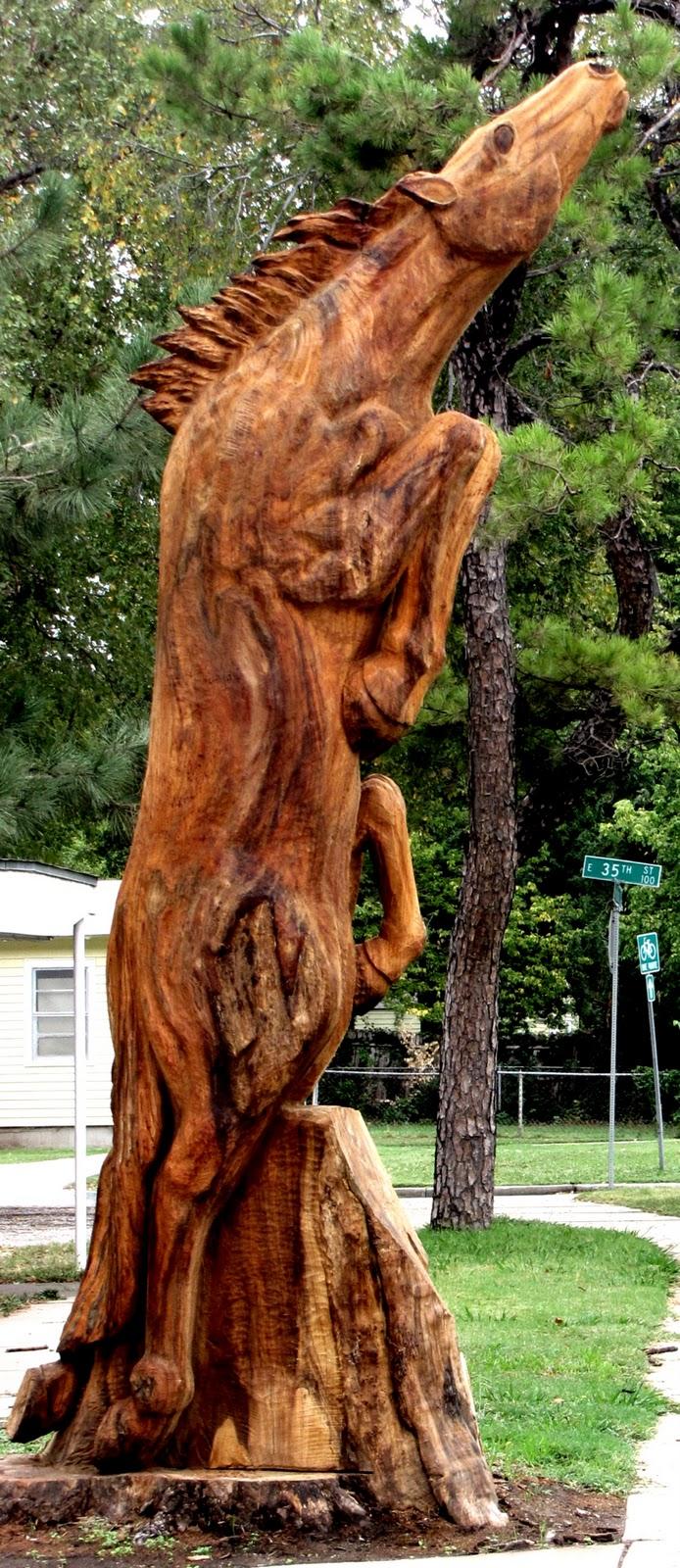 Tulsa gentleman chainsaw carving wild horses