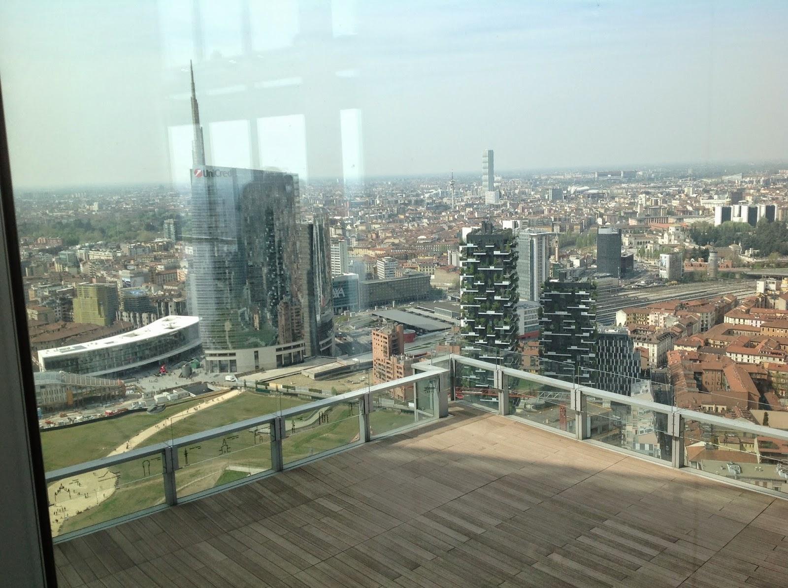 milano la terrazza del 39 piano grattacielo regione lombardia