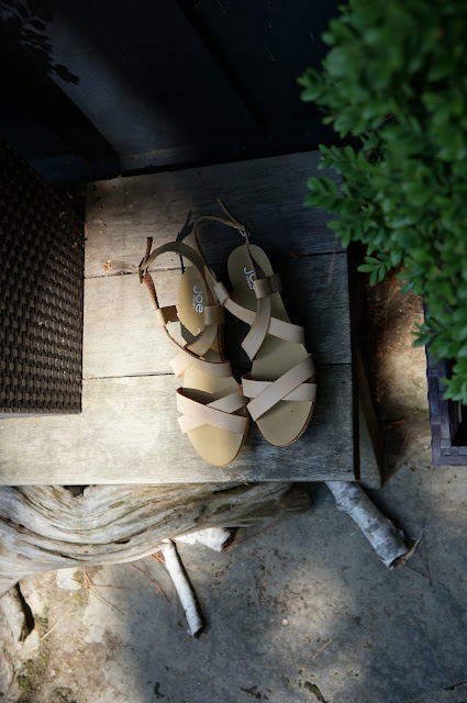Nude Joe Fresh Sandals, Wooden Table, Exterior, Birch Bark, Logs, Greenery, Plants,