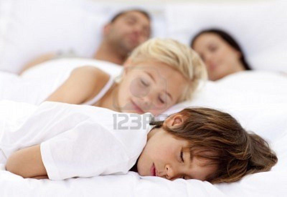 Сестра сосет у брата спящего мать застукала 24 фотография