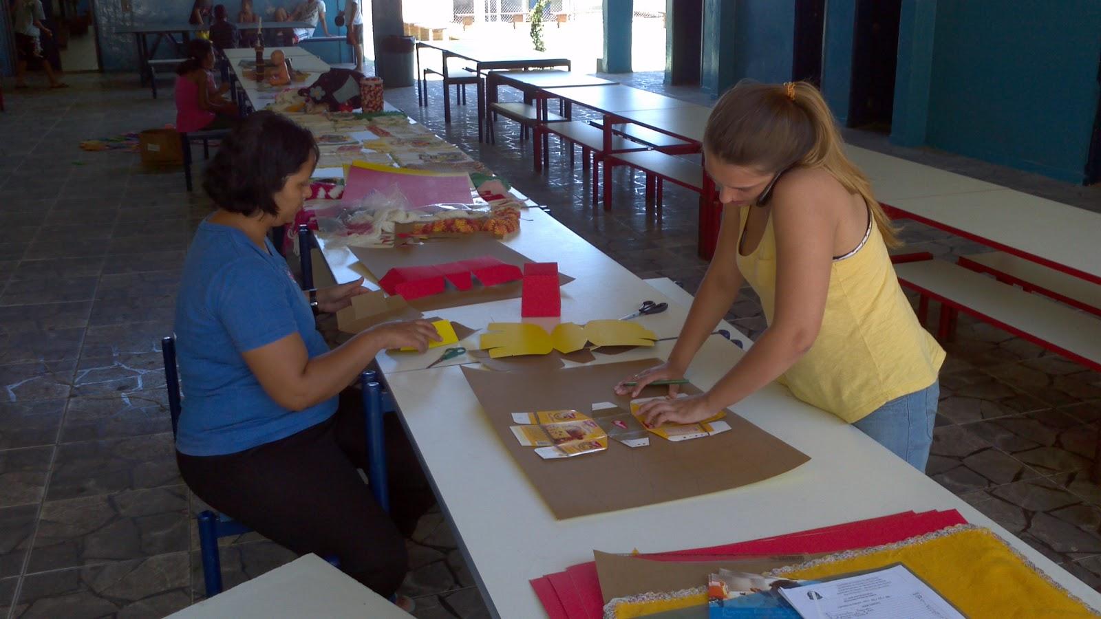 Aida leda oficina de caixas de mini panetones for Oficina de caixa