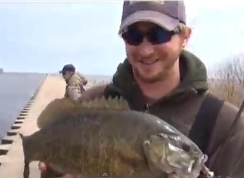 International fishing news us shore fishing for walleye for Best shore fishing in michigan
