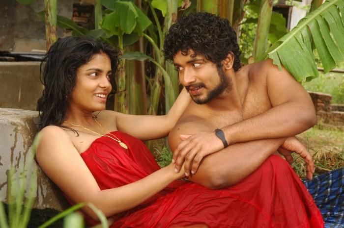 Janavi Dilipkumar sexy Hot Wet Romancing Stills in Oththa Veedu