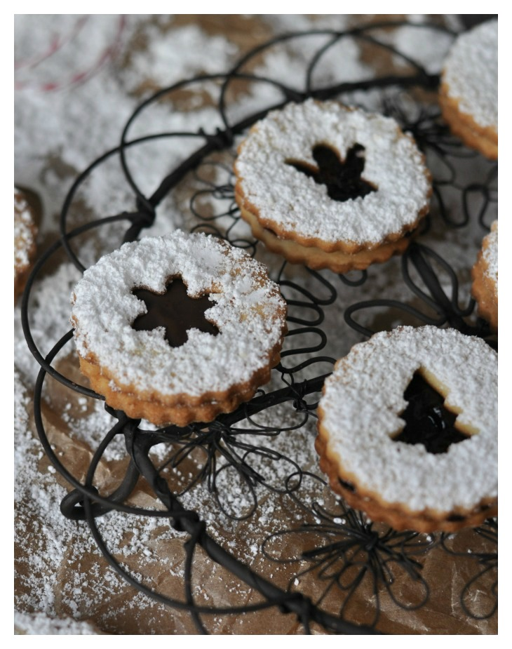 gluten free Jam and Chocolate filled Cookies, a traditional German recipe for christmas