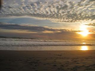 Mitos Baju warna Hijau Gadung di Pantai Petanahan