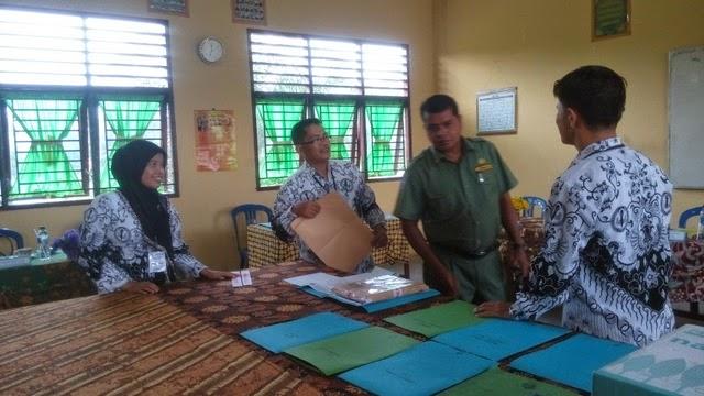 Hari pertama Ujian Nasional di SMK Negeri 2 Tambusai Utara 4