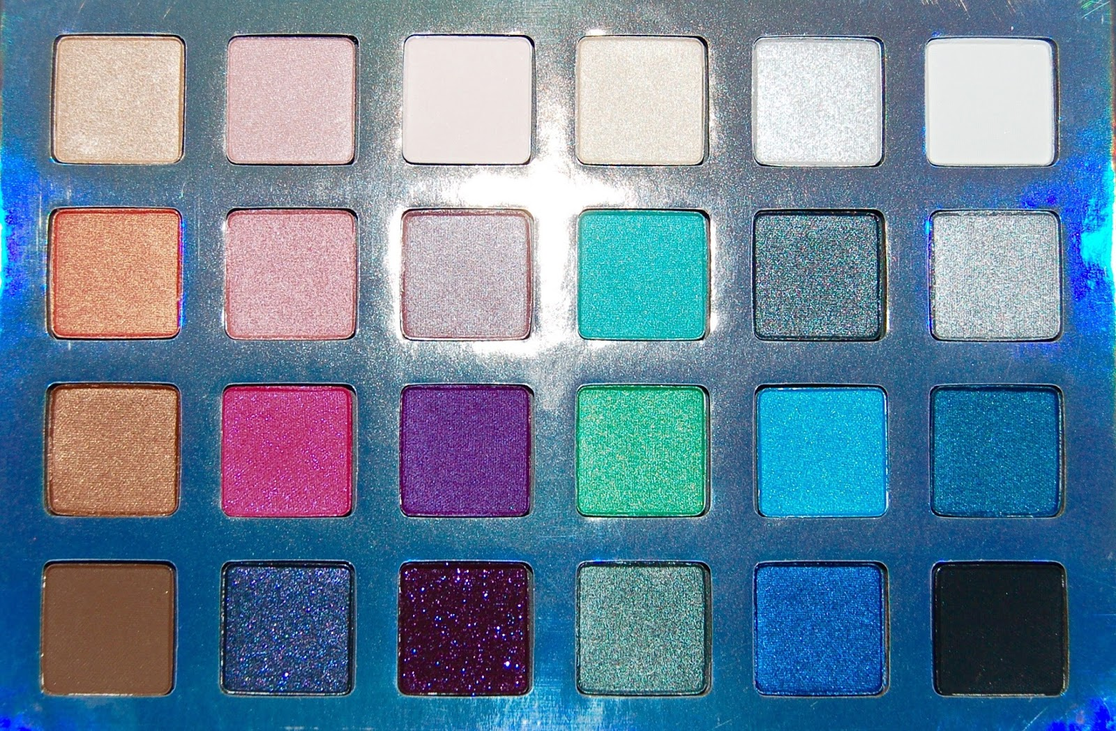 Sephora Jem and the Holograms Truly Outrageous Eye Shadow Palette