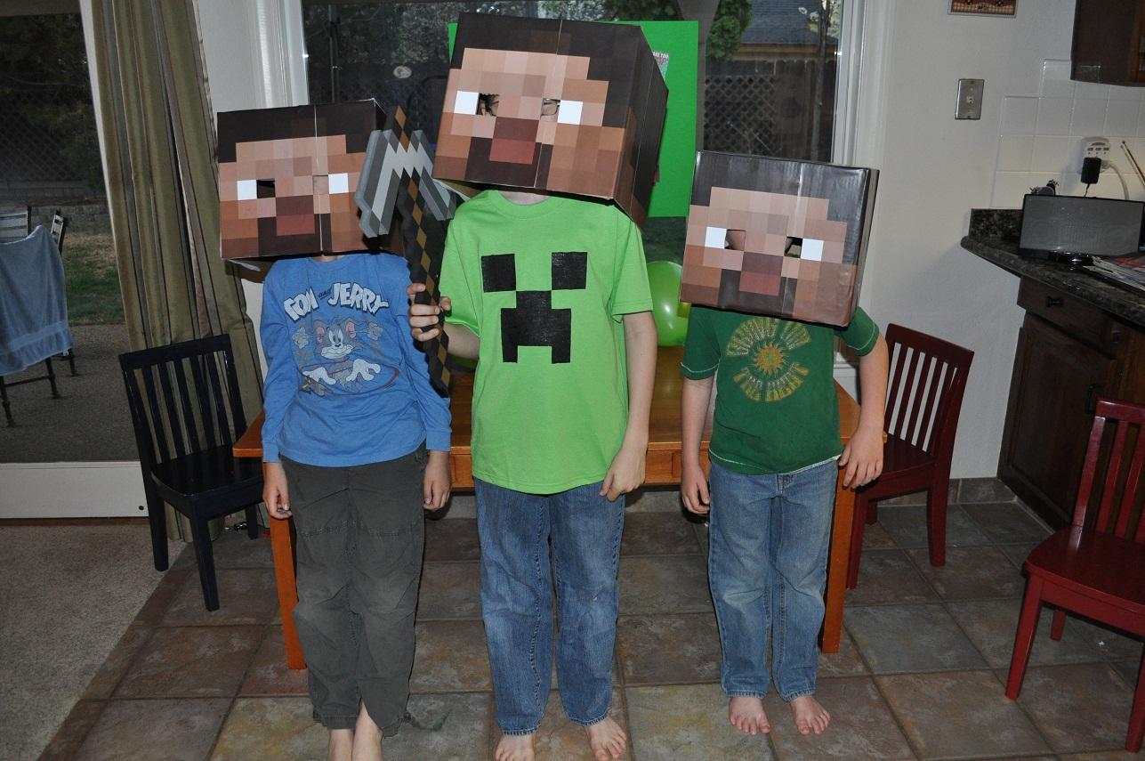http://2.bp.blogspot.com/-YhgmdBLY2xA/T70_aJeFUZI/AAAAAAAAHmU/eku6QkfhSEc/s1600/steveheads.jpg