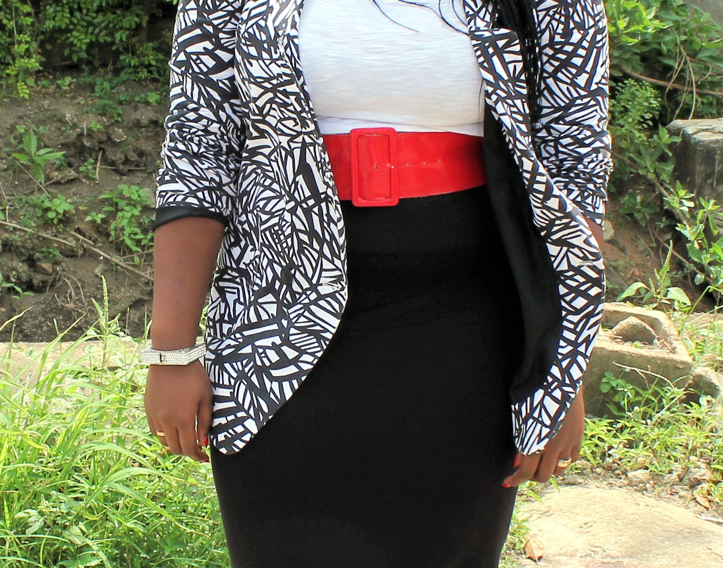Black dress with touch of red -  Wearing A Red Belt Above The High Waist Pencil Skirt I Didn T Want The Outfit To Look Boring Or Too Serious So The Belt Was To Added To Accomplish It