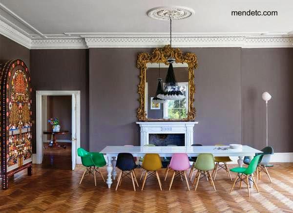 Sala de comedor con mobiliario combinado de distintos estilos