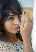 Nandita Swetha dazzling pics-thumbnail-4