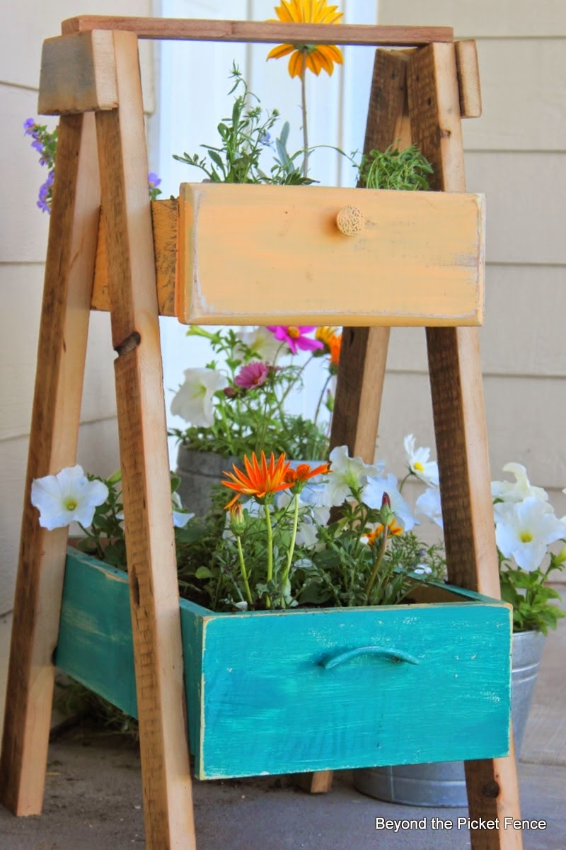 Upcycled drawer planter, by Beyond the Picket Fence, featured on ILoveThatJunk.com