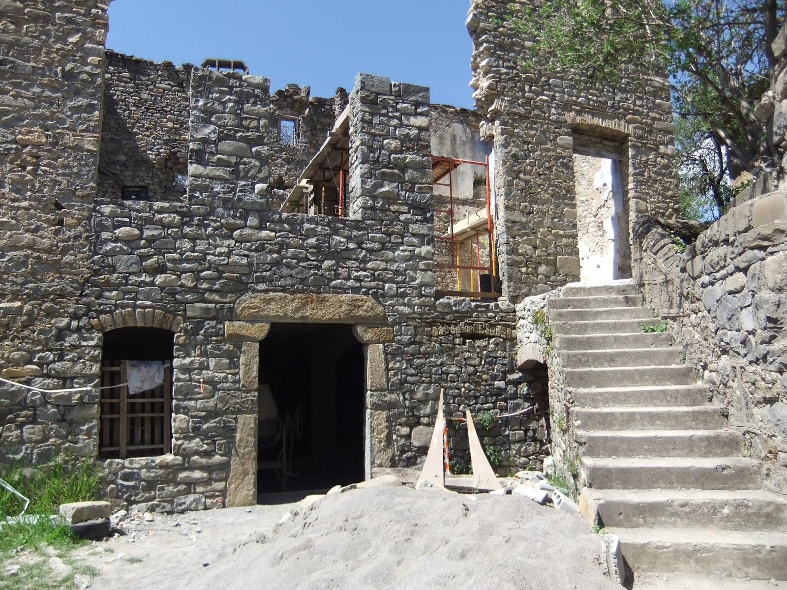 Memoria de pez casa del pueblo y escuela de j novas - Restaurar casas antiguas ...