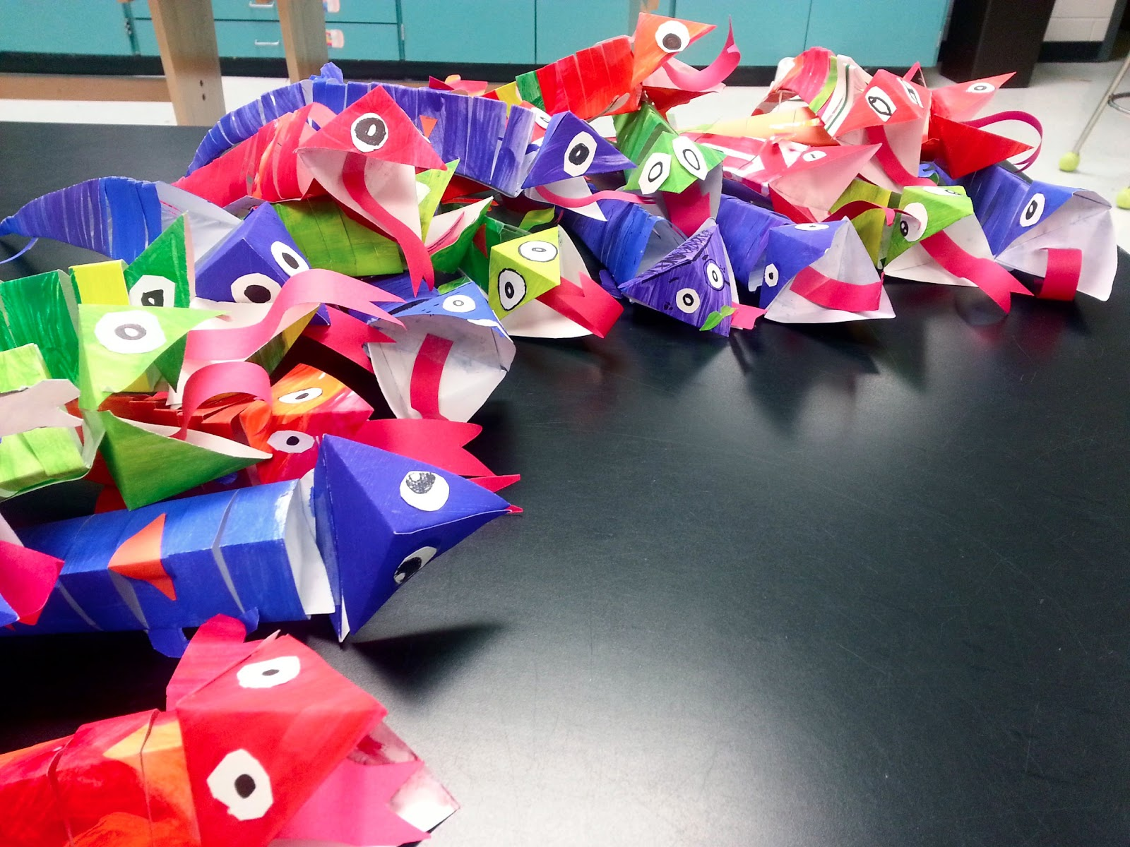 Chameleon paper sculptures 3rd 4th 5th art with mrs for Crafts for 3rd graders