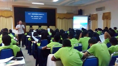 Ceramah Sains PT3 di SMK Bertam Indah di Merdeka Beach Resort