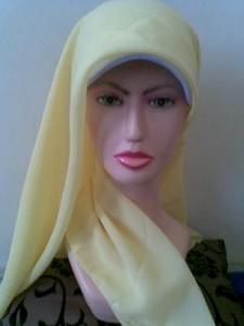 Tarik Ujung Jilbab Cantik Segi Empat