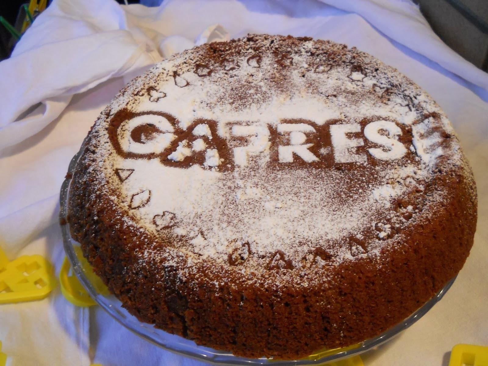 caprese o torta morbida di mandorle e cioccolato