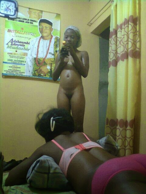pose girl naked naija