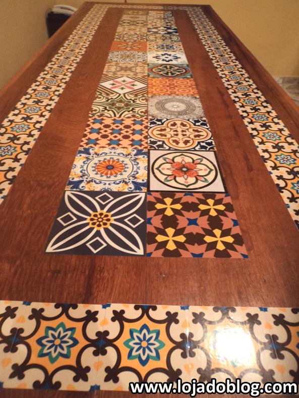 Blog vera moraes decora o adesivos azulejos - Mesas con azulejos ...