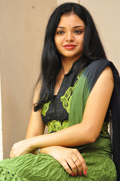 pustakamlo konni pageelu missing movie heroine supraja photos3