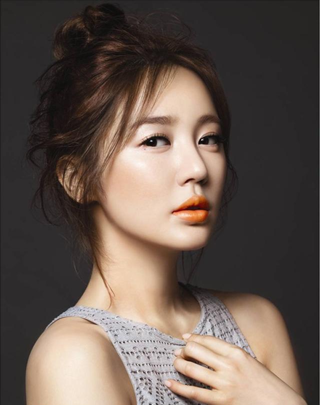 Yoon Eun Hye for MAC and Joo Ji Hoon for Marie ClaireYoon Eun Hye
