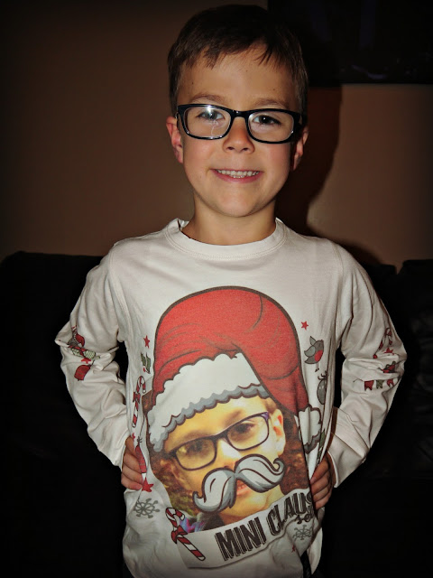 selfie clothing, printed tee, christmas, santa