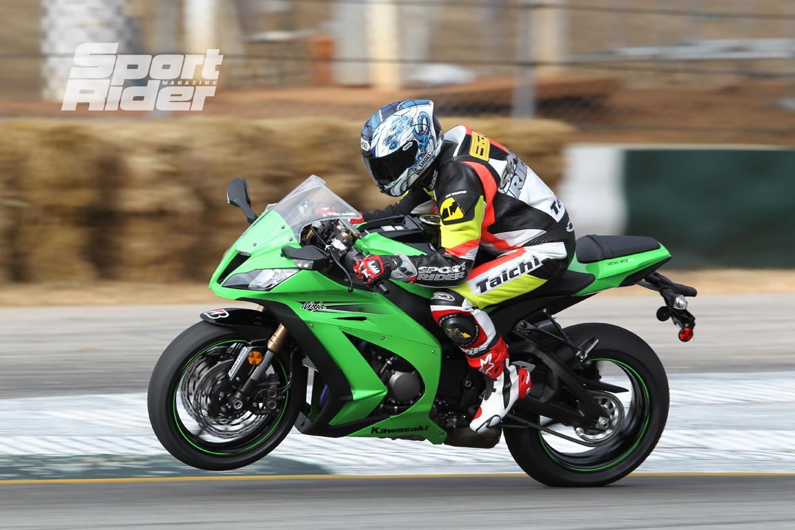 http://2.bp.blogspot.com/-Yj6zTrny8hU/Tlcumsh20PI/AAAAAAAAC-8/ScHernV7rwE/s1600/146_1011_%252B2011_kawasaki_zx10r_ninja_riding_impression_review%252B2.jpg