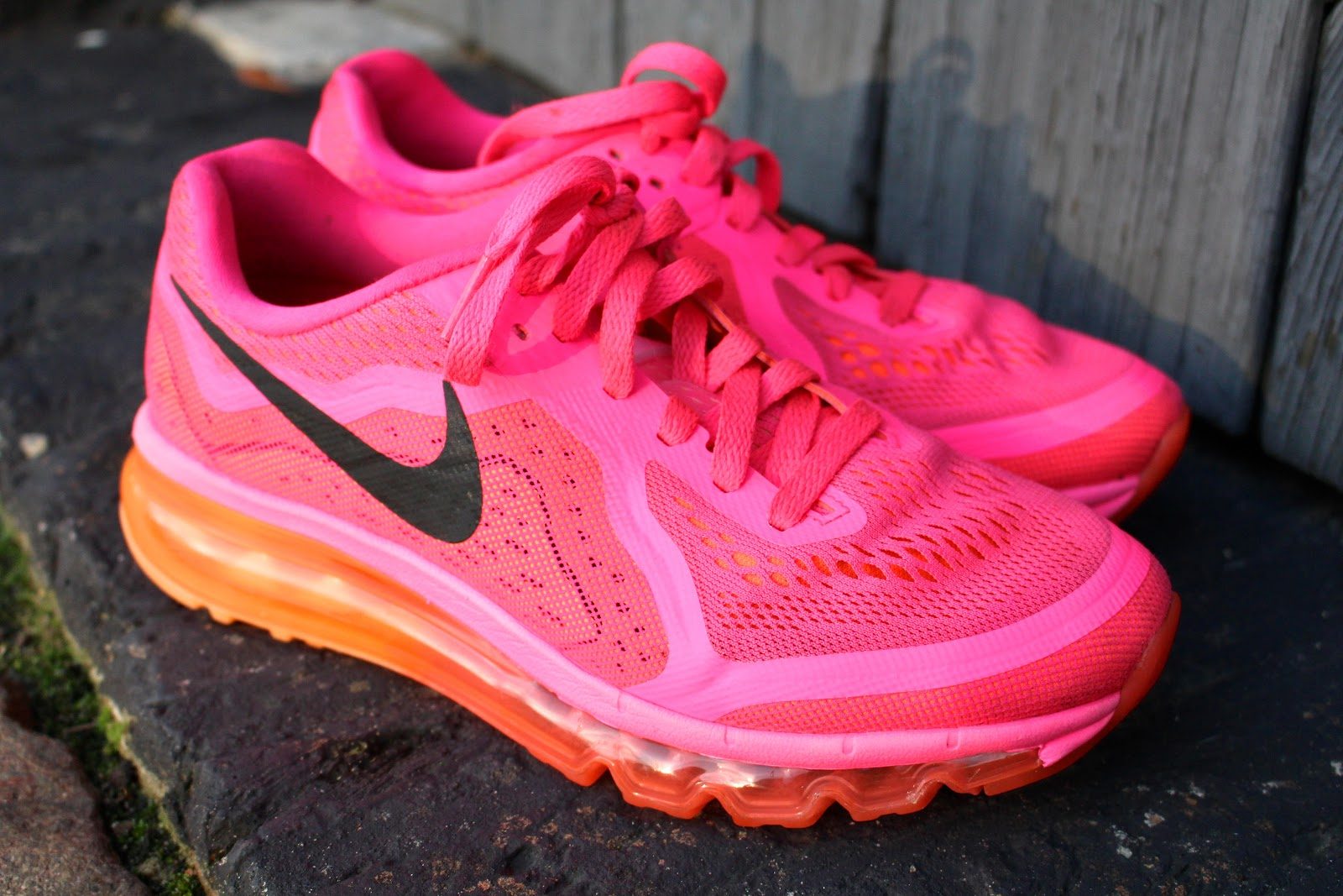 how to clean running shies