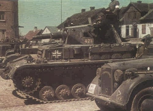WWII Early War German Artillery And Vehicles Pictures 1