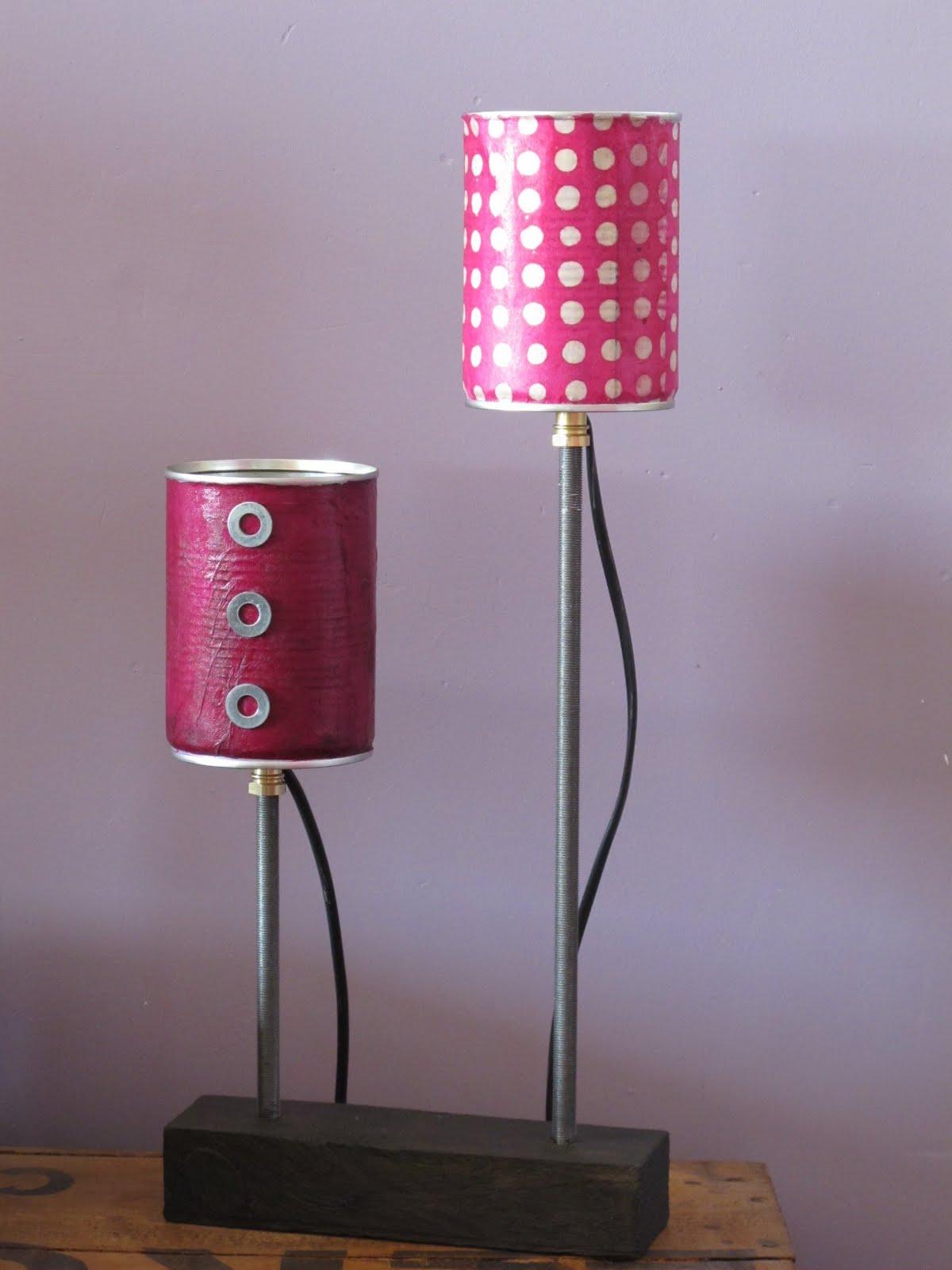 Quelques objets en detail au854 - Lampe avec boite de conserve ...