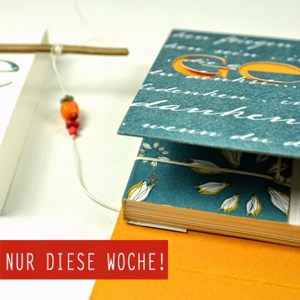 http://www.alexandra-renke.com/epages/64245756.sf/de_DE/?ObjectPath=/Shops/64245756/Categories/Produkte/Manufaktur/Designpapiere/Lilien